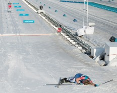 February 25, 2018 - Pyeongchang, South Korea - JESSICA DIGGINS of USA collapses at finish line after finishing in 7th place in the Ladies Cross County Skiing Mass Start 30k at the PyeongChang 2018 Winter Olympic Games at Alpensia Cross-Country Skiing Centre on Sunday February 25, 2018. (Credit Image: © Paul Kitagaki Jr./ZUMA Wire)